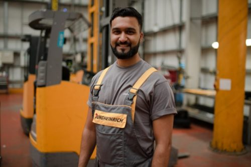 Lift truck apprentice
