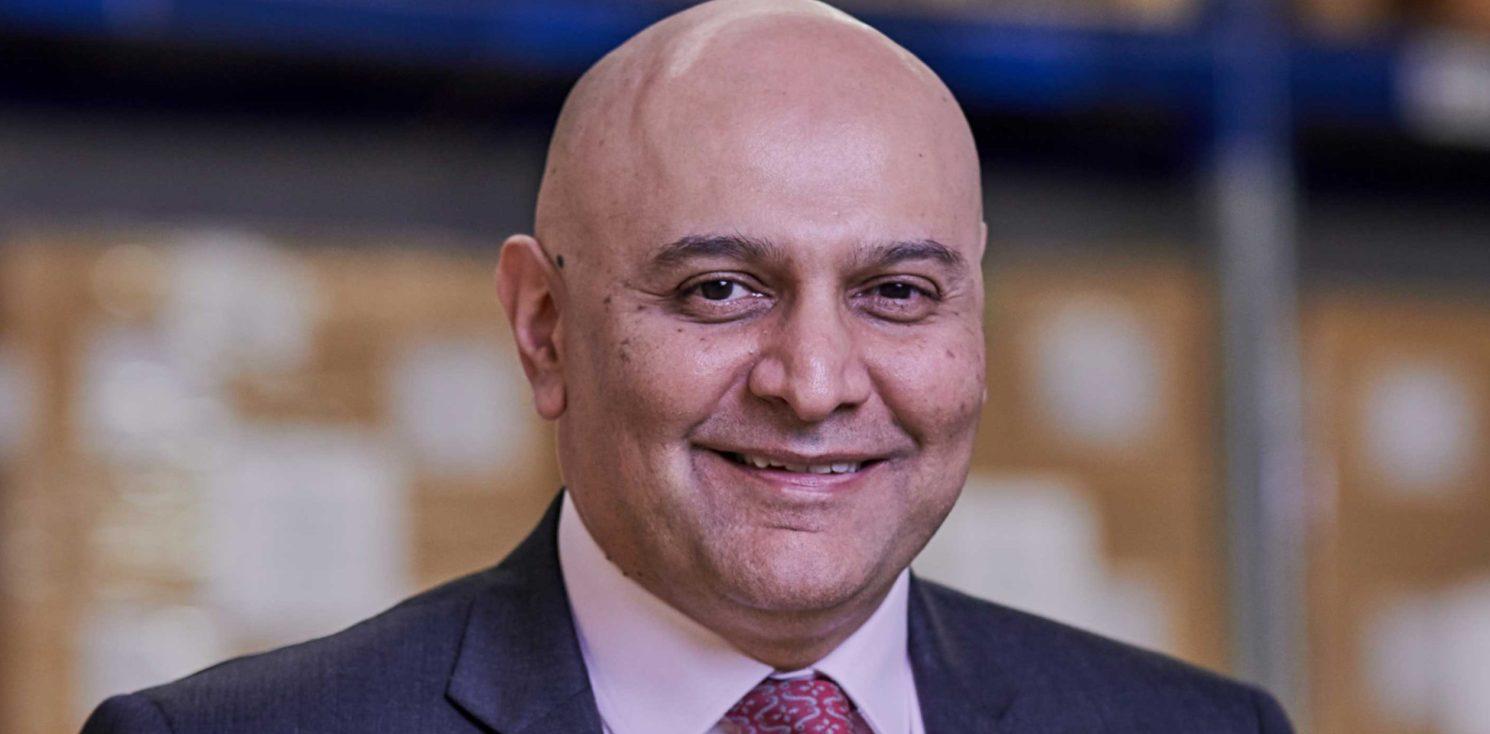 Dr Nik Kotecha OBE Headshot Hi res